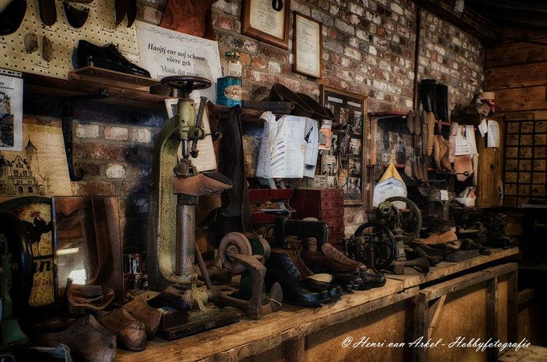 Schoenmakerij - Schoenmakerij bij het Limburgs Openluchtmuseum Eynderhoof