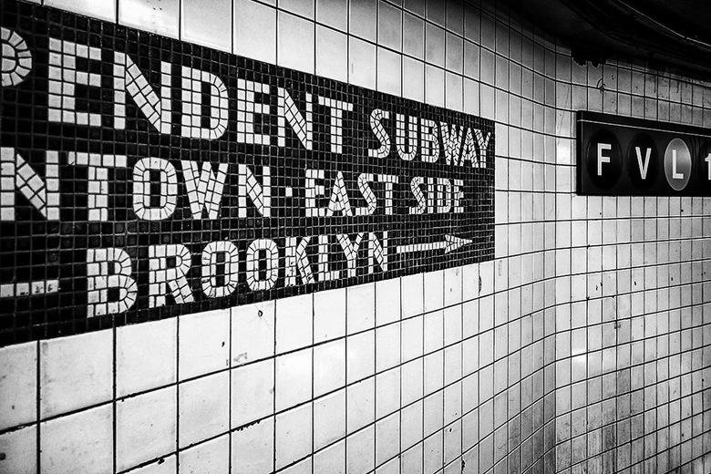 New York 10 - Metrostations kom je in allerlei soorten en maten tegen over de wereld. Het maakt fan vaK niet uit of ze groot of klein zijn, de gangen