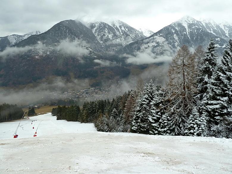 dalafdaling - Bij deze foto is door de bomen goed te zien wat de sneeuwgrens was.<br /> ook te zien hoe slecht de dalafdaling was.<br /> <br /> Bed