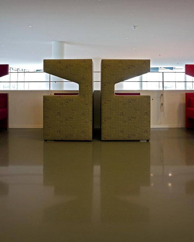 Stadhuis Nieuwegein 24 - *