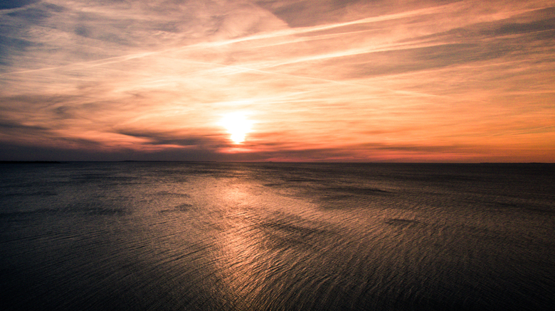 Zonsondergang vanuit de lucht - Zonsondergang vanuit de lucht