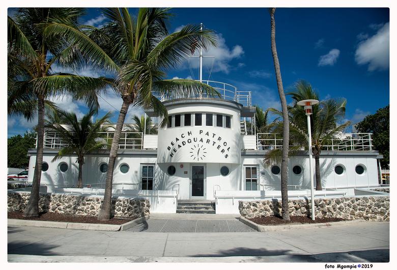 Beach Patrol - Miami en Art-deco gebouwen; er zijn er genoeg en dit is er een die meestal vergeten wordt, omdat het niet aan Ocean-drive staat, maar n