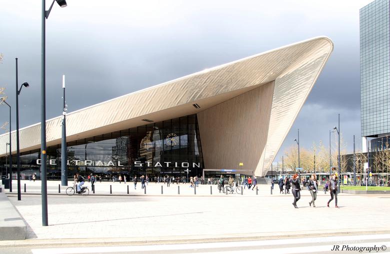 Centraal station Rotterdam - Het centraal station te Rotterdam is <br /> één van de vele mooie gebouwen van Rotterdam
