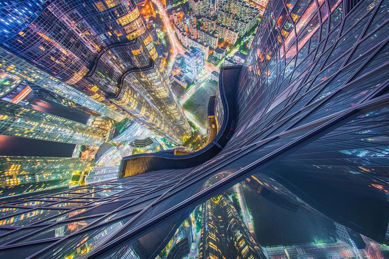Scared of Heights - Gemaakt vanaf de hoogste woontoren in Azie: De Zenith in Busan, Zuid Korea. <br /> <br /> Met de Samyang 12mm f/2.8 Fisheye. Ver