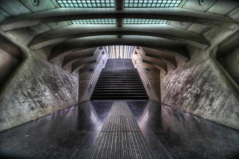 """The Spaceship - Het """"buitenaardse"""" treinstation van Luik ; Guillemins"""