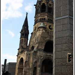 De ruine van de Kaiser wilhelm kerk  (Berlijn)