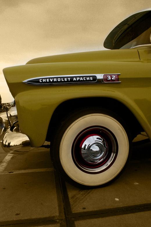 classic chevy pick up truck - tijdens american sunday 2010 in tiel geschoten, ondanks het mindere weer waren er weer hele mooie autos aanwezig