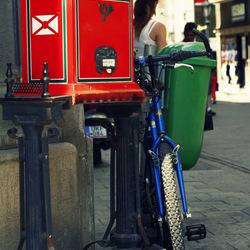 Kleurrijke fietsen uit Boedapest: Blauw