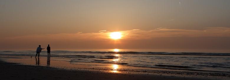 Speels bij zonsondergang  -