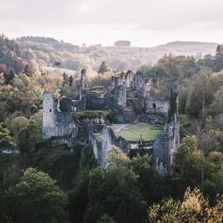 Ruines van Montaigle.