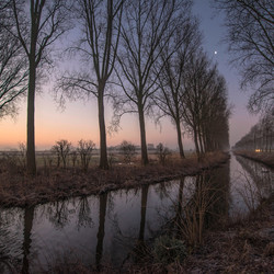 winter sunrise chasing the blue hour in Damme-5608