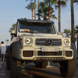 Mercedes Jeep