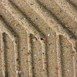 Sporen op het strand