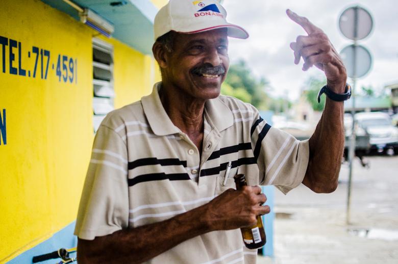 Columbus - De dronkaard van Bonaire die alleen maar over Columbus prate!