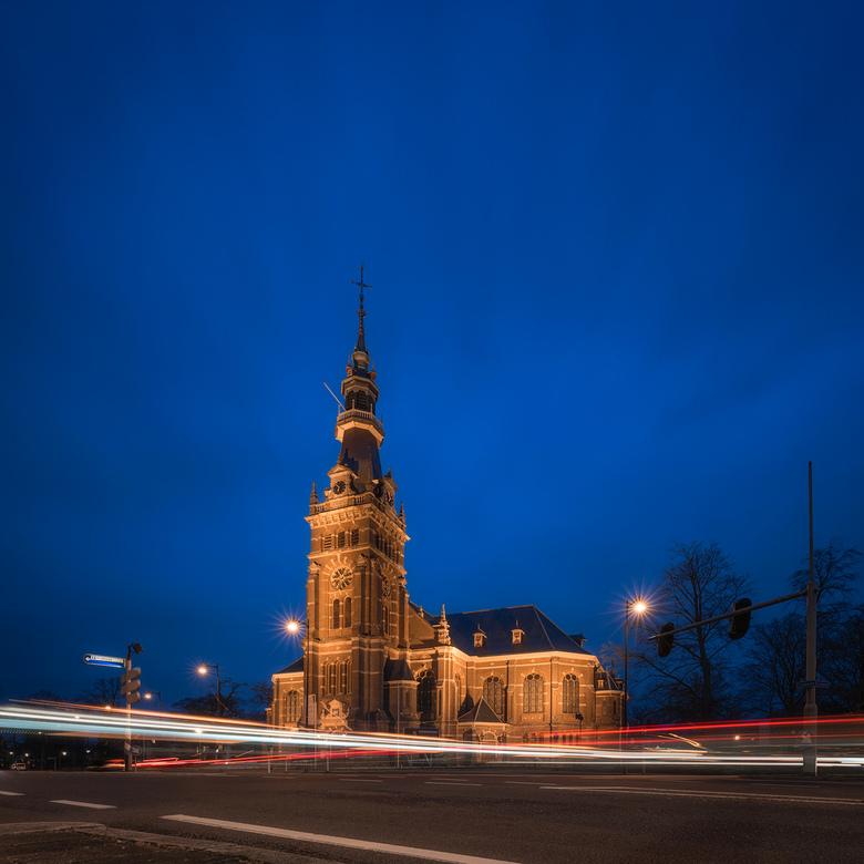 """Blue Hour - Lange sluitertijd fotografie tijdens """"blue hour""""."""