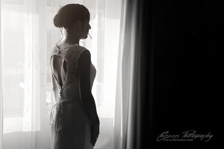 Laatste bllik - Laatste blik in de spiegel voor ze de trap afloopt en haar aanstaande man haar ziet