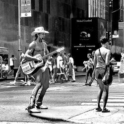 Tne Naked Cowboy -1-