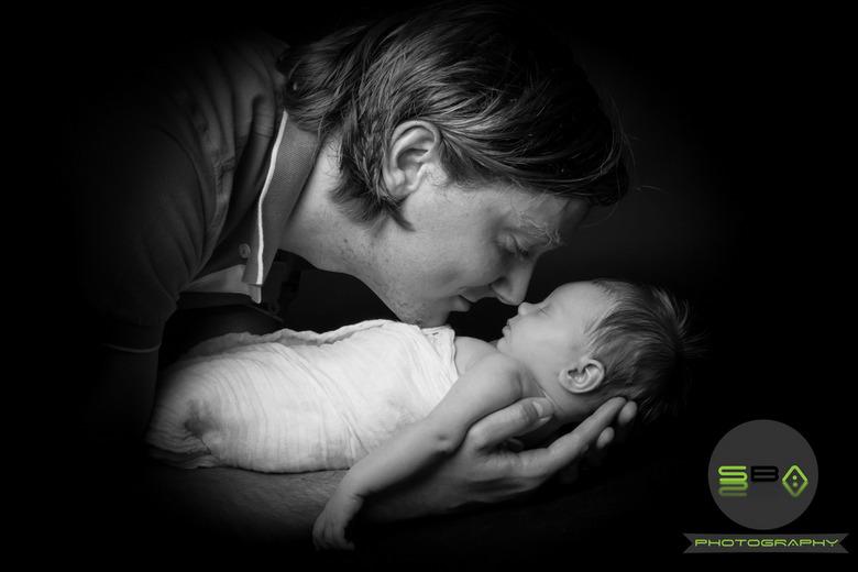 Daddy's Love.jpg - Vader met prachtige dochter.