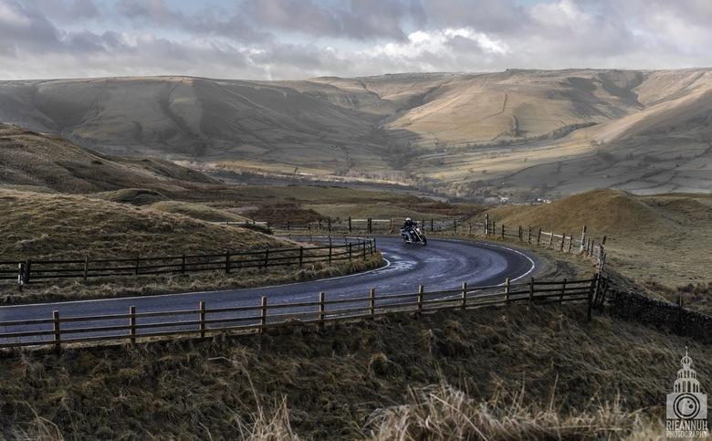 """berglandschap - Op één van de grootste bergen in het """"Peak National Park"""" in Manchester. Mam tor."""