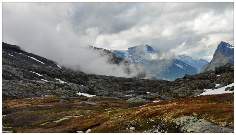 Colors.... - Hallo...<br /> Ik ben terug uit noorwegen..<br /> Was zo MOOI en wat een rust.<br /> Heb genoten waar het maar kon.<br /> Thuis gaat