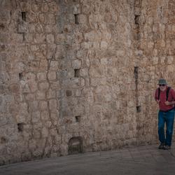 Langs de muur van Dubrovnik