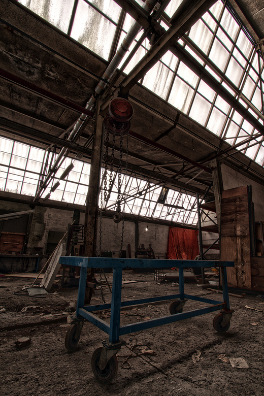 Cart - Cart in the abandoned Teval factory (NL)