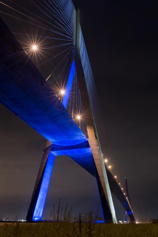 Le pont de Normandie - Brug van Normandië by Night.