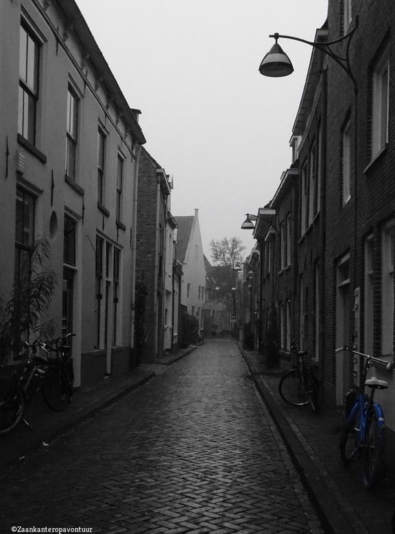 Blauwe fiets Zwolle - Stille straat in Zwolle.