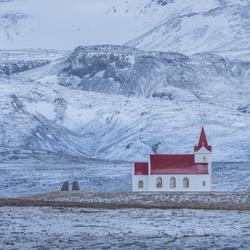 Kerkje in de bergen