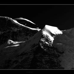 Jungfrau in black 2