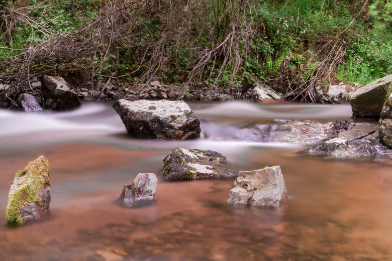 Rivier01 - Misty River<br /> 30 sec sluitertijd op diafragma 30