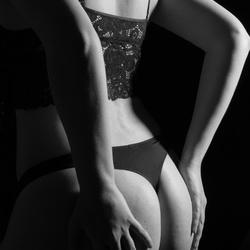 boudoir black & white