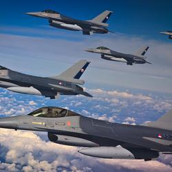 5 F-16's in losse formatie