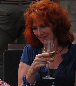 yvonneke - Me myself and wine