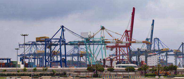 Valencia met zicht op de haven -
