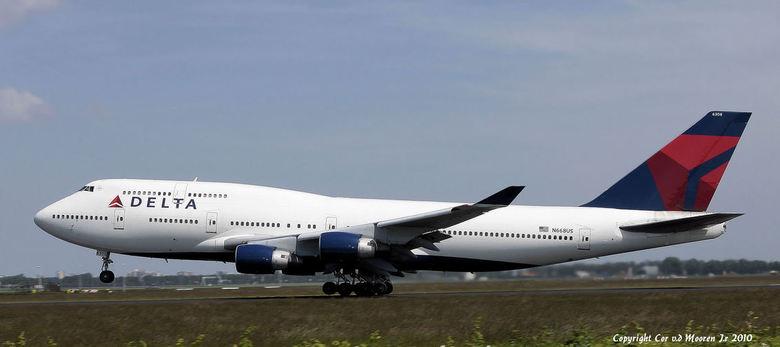 Delta Airlines N668-US - Vertrek  boeing  747 op de polderbaan,<br />