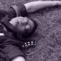 Relaxed in het gras
