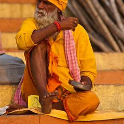 Sadhu met schoen