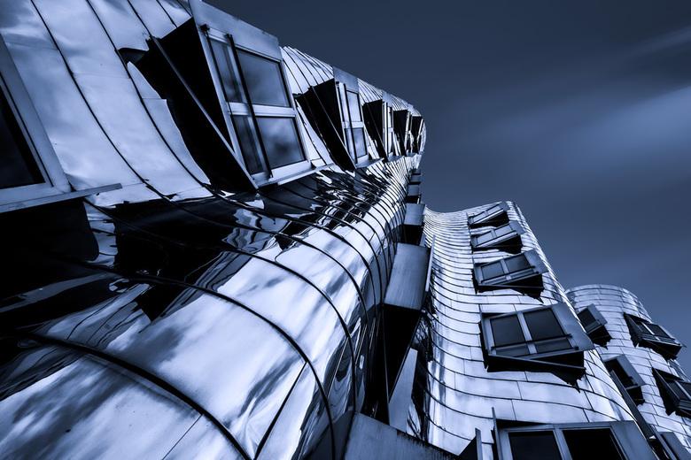 Frank gehry zollhof - Ontworpen door de Amerikaanse architect Frank Gehry