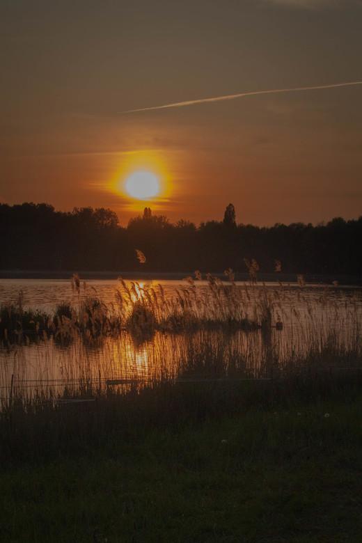 Zonsondergang - Wanneer je getuige mag zijn van deze serene zonsondergang.....
