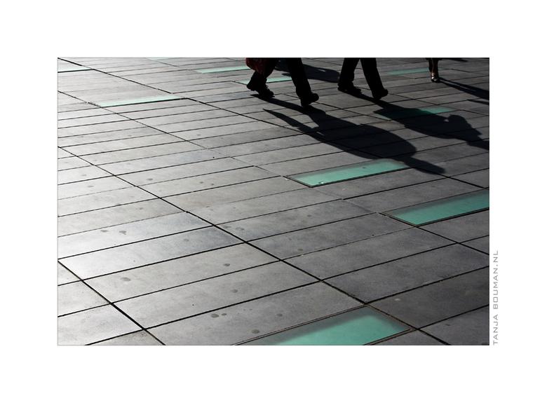 Pavement - Koopzondag in Eindhoven...<br /> <br /> (de kleuren van de tegels zijn echt zo)