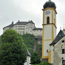 P1390603  Kufstein  Vesting en Kerktoren 9juni 2016