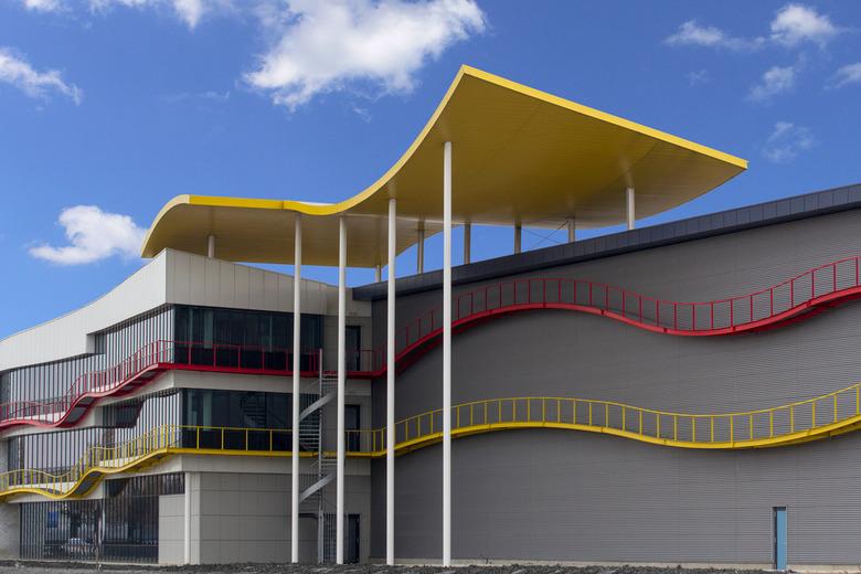Colours - Architectuur met golven