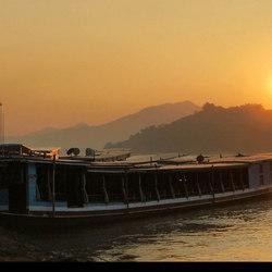 LAOS  Mekong Rivier