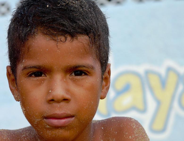 zanderig - Ik ontmoette deze dromerige jongen aan de kust van Venezuela en was meteen verkocht...