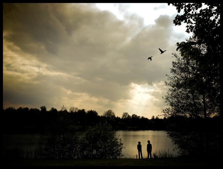 Silhouette  - iPhone fotografie, bewerking met Snapseed en Vignettr.