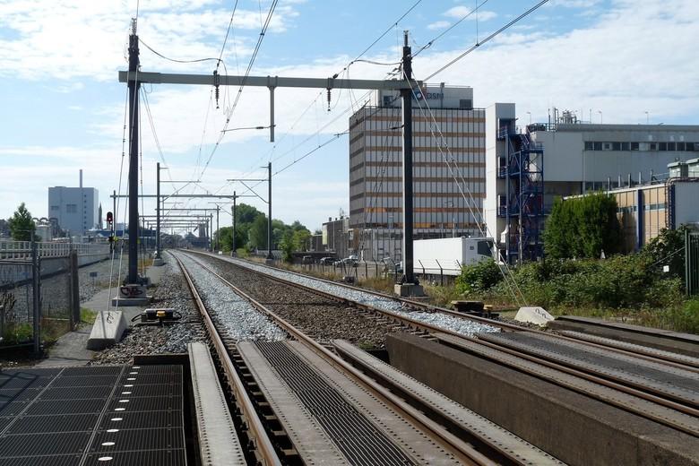 P1450938 Zomers Delft nr18 Spoor Rijswijk Delft 6juli 2017