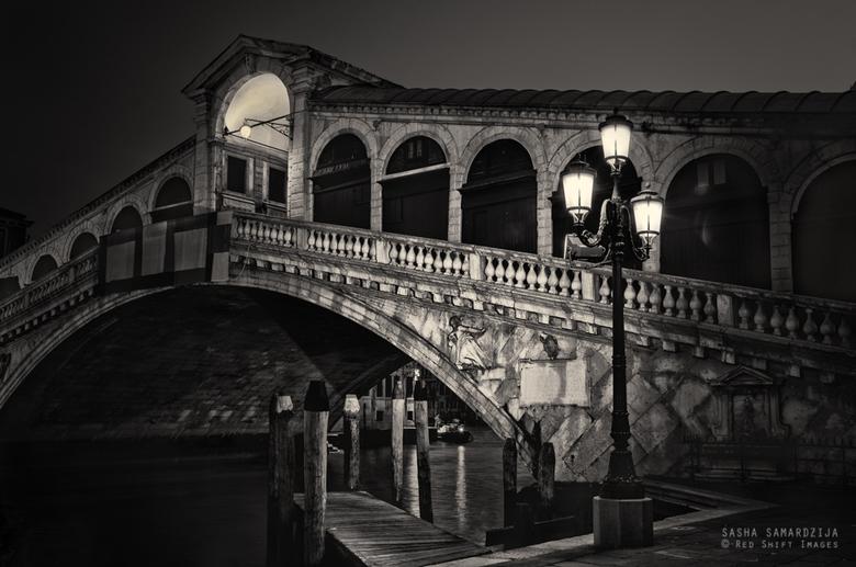 Rialto, before dawn