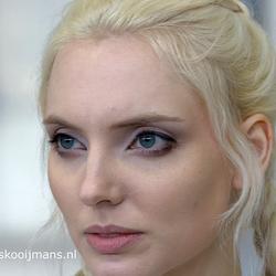 Model met wit haar