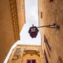 Straatlantaarn in Mdina